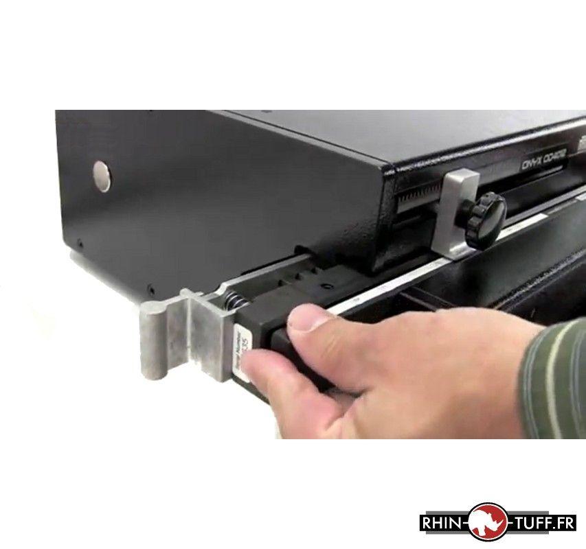 Perforateur électrique Onyx OD4012 - commande de la perforation par pédale au pied